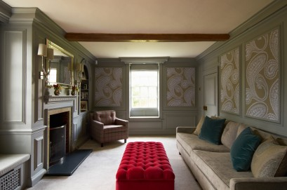 fabric-upholstered-panels-living-room-traditional-with-roman-blinds-double-sconces-red-velvet-6-1