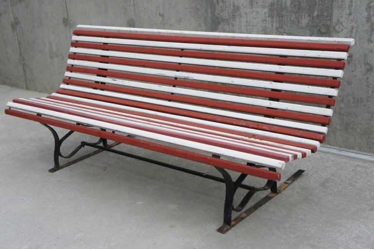 red-and-white-garden-bench