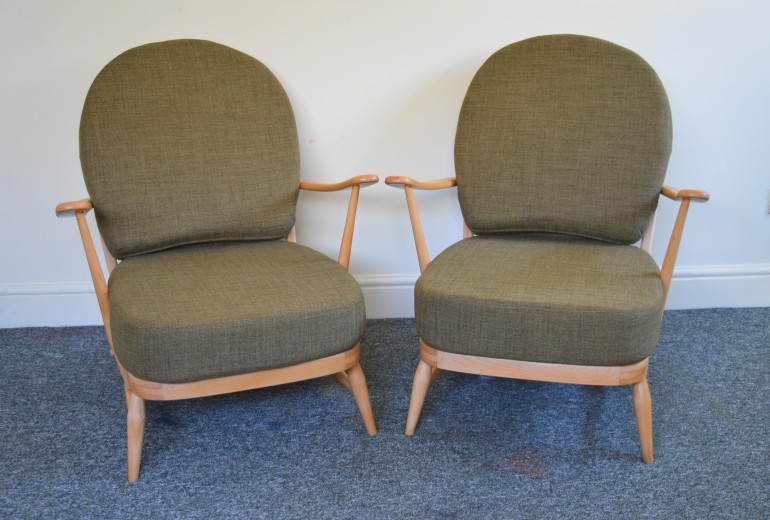 a-pair-of-vintage-ercol-203-windsor-armchairs-in-soft-green-1960s