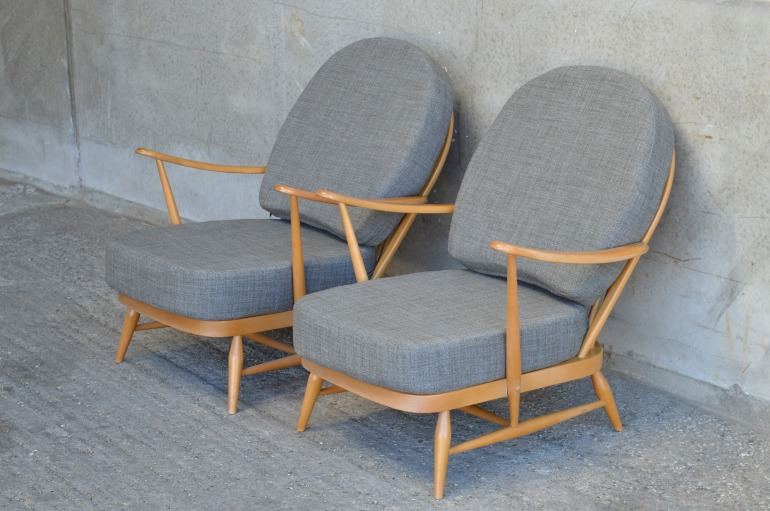 pair-of-ercol-203-windsor-armchairs-newly-upholstered-in-soft-grey-77effaa1-2cf6-4f6c-b9e0-0a18e8092d91