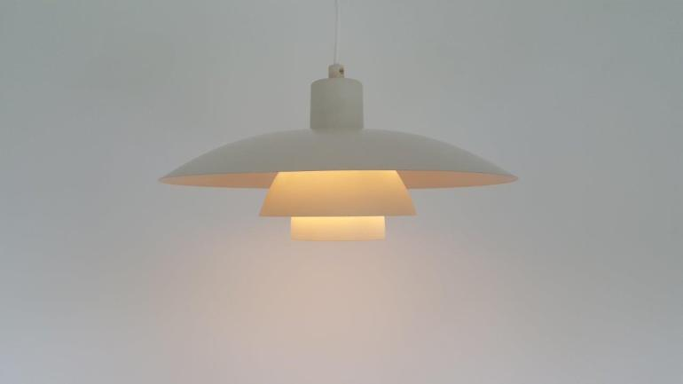 Poul Henningson PH4 Pendant Lamp in White - For Louis Poulsen