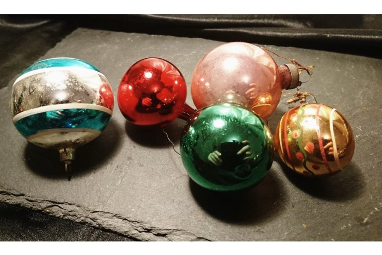 large_antique-christmas-baubles-blown-glass-hand-painted-christmas-decorations